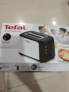 (Reserved) Brand New Tefal Bread Toaster Express TT3561 with Heat Control Reheat & Defrost Technology House warming Christmas gift