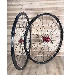 (Newly Built!) BZ Professional Custom hand Built Chosen 4591/4597  Loud sound/Smooth Wheel set with Sun Ringle Helix TR25SL Rims (29er) # Tubeless Ready #