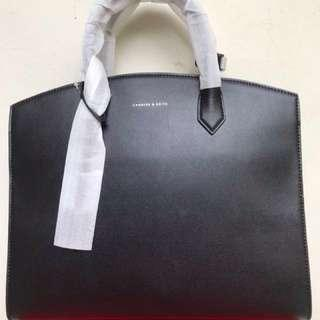 Charles & Keith Women Bag Black size XL