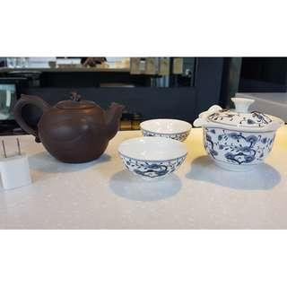 中式茶具組 一茶壺一公道杯二品茗杯 (插頭為比例尺非販售品)