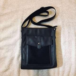 Girbaud Unisex Body Bag