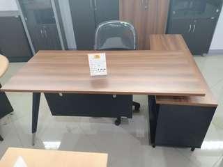Meja Kantor EXPO ME 1675 bisa di kredit
