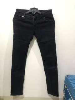 [PRELOVED/BEKAS] jeans panjang wanita hitam