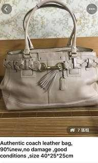 Coach hand bag 95 % new and authentic