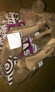 Hai sis dijual rugi sepatu merk brash NEW