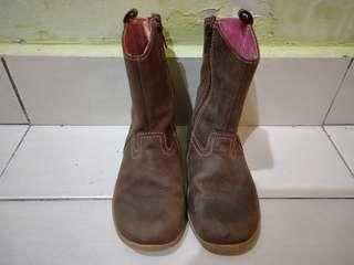 CLARKS-LEATHER BOOTS FOR KIDS SIZE 8 1/2 F