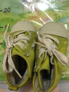🚚 二手童鞋中統帆布鞋適3歲