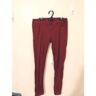 🚚 NET 酒紅色 顯瘦彈性長褲 L唷。穿起來非常顯瘦喔 大推薦❤️