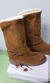 Brand New Woman Winter Boots