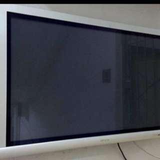 "42"" Hitachi Plasma TV"