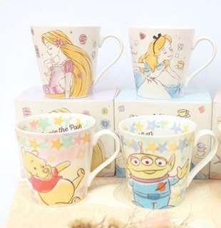 🚚 迪士尼 造型手繪愛麗絲 陶瓷杯 新品