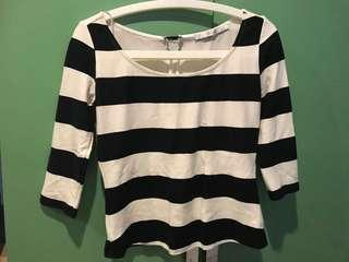 Black and white stripes 3/4 sleeves