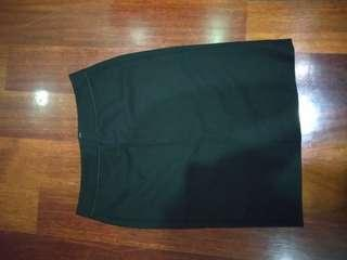 G2000 black pencil working skirt