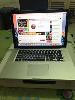 MacBook Pro 15,i7,8gb,500gb n 2011