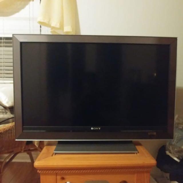 """47"""" Sony Flat Screen TV"""