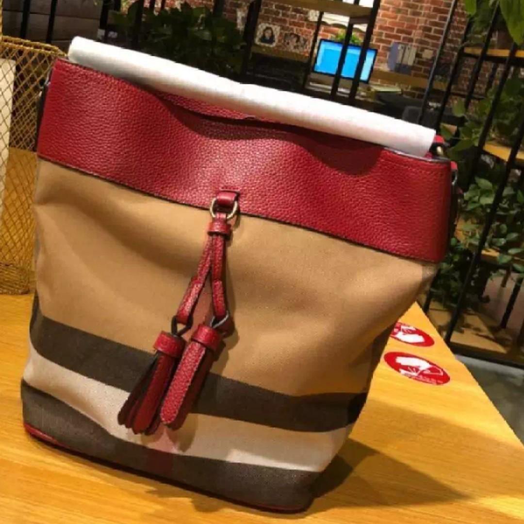 Burberry Ashby Handbag a4ffa6039fd47
