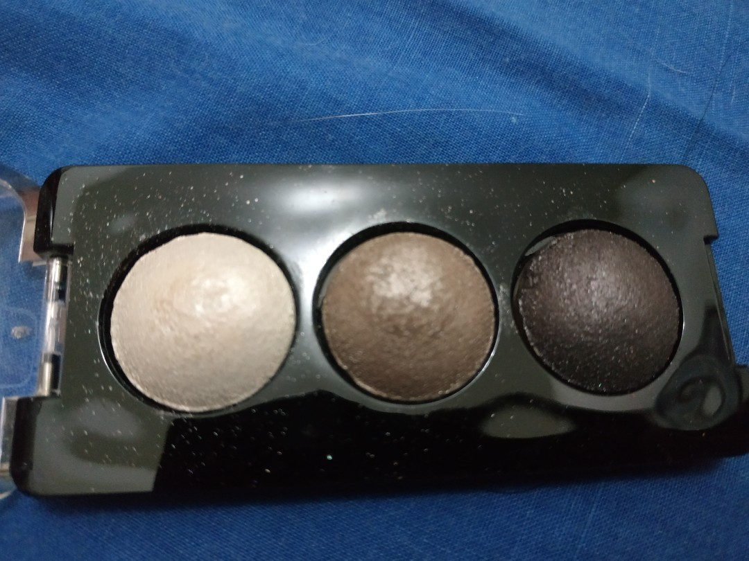 Catrice deluxe trio eyeshadow no 020, Health & Beauty, Makeup on Carousell