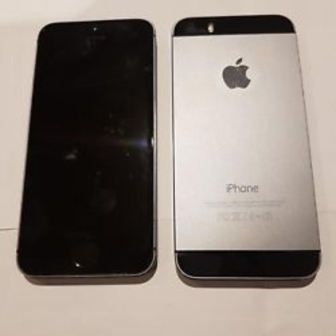 iphone 5s  (new from Apple Store!) w/  waterproof case, charger  - $190