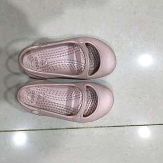Crocs 女孩子的鞋子