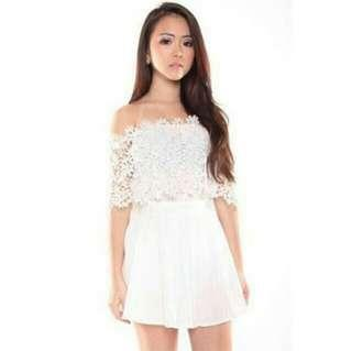 ✨ white crochet lace tube shoulder off details top // instock