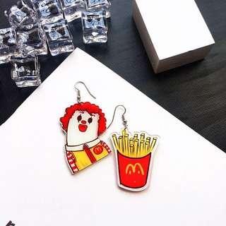 🚚 Po: macdonalds acrylic hook earrings