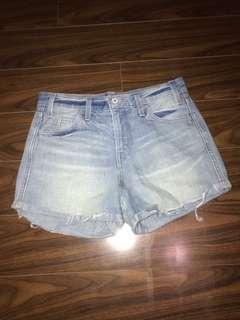 Levi's Shorts | Mid Wash | Size: 26