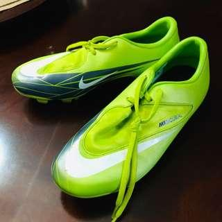 Nike mercurials soccer cleats