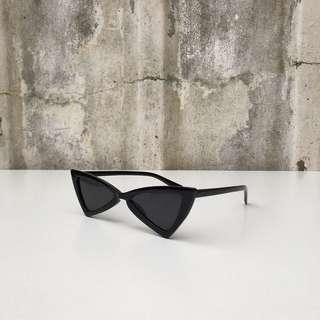 PRE-ORDER!! triangular cat eye sunglasses