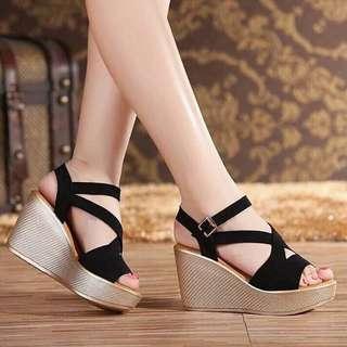 Korean Fashion Wedge Sandals 💯 % High Quality
