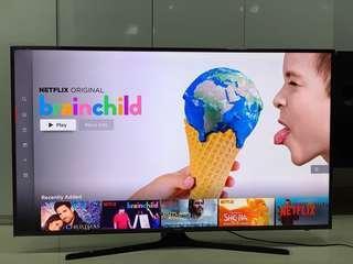 Almost NEW Condition Samsung 55inch UHD 4K Flat Smart TV 15 months Warranty