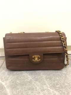 Chanel Vintage preloved medium classic brown