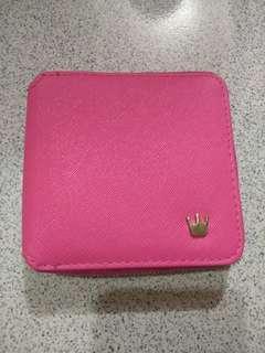 888 dompet pink