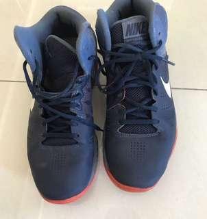 🚚 Nike shoes (26cm)