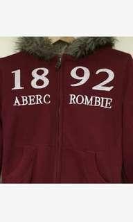 Abercrombie  &  fitch女性連帽外套