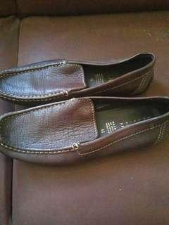 Sepatu Kulit Geox