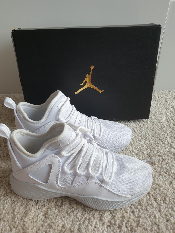 White Boys Sports Basketball shoes