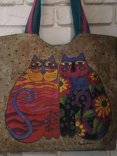 🚚 印尼異國風情布提背包。