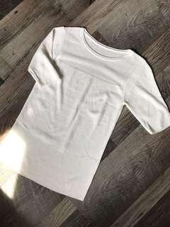 🚚 Thin knit top