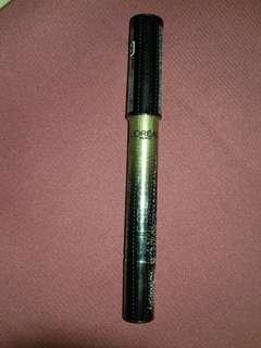 New &ori 100% loreal le stylo smoky (masih segel)