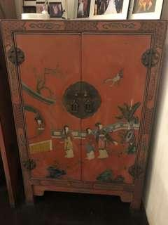 Red Lacquer Small Cabinet