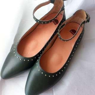 Bared Shoes Lapwing Green Ballet Flats 38