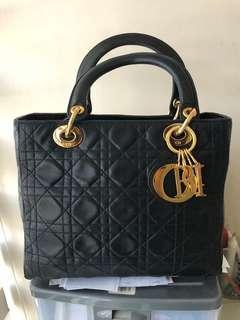 Lady Dior Vintage Black authentic Medium size