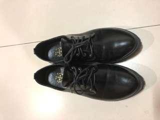 🚚 黑色學院風皮鞋