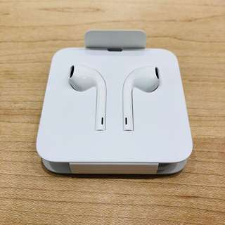 a8bc990be5b lightning to headphone jack | Toys & Games | Carousell Singapore