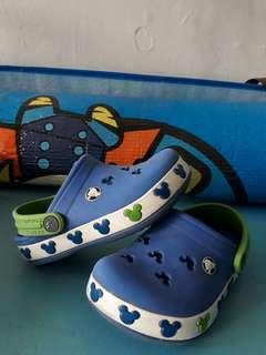 Authentic Mickey Mouse Character Crocs 6-7c for toddlers 2-3 y/o