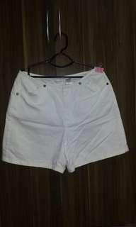 Haighwaist white short