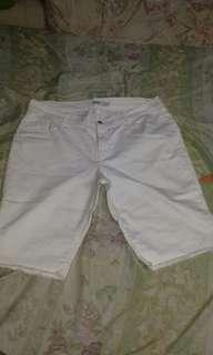 Oldnavy white short