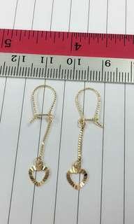 🚚 916 Gold Heart Earrings