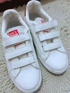 White Glittered Rubber Shoes (used 3x, good as new) (fit sizes 7-8)