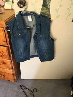 Cute denim jacket never worn
